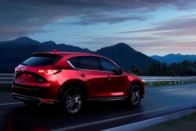 Hé lộ Mazda CX-50 - Bản nâng cấp từ CX-5 tham vọng cạnh tranh xe sang Mercedes-Benz GLC Coupe, BWM X4 - Ảnh 2.