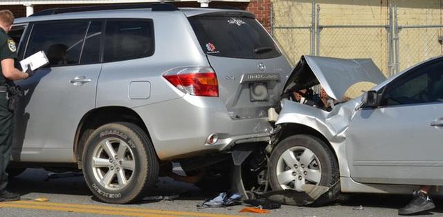 Nhận tin cháu trai gây tai nạn, cụ bà bắt taxi đi ứng cứu nhưng sau khi kể chuyện cho tài xế nghe lại bị đưa đến đồn cảnh sát vì lý do này - Ảnh 3.