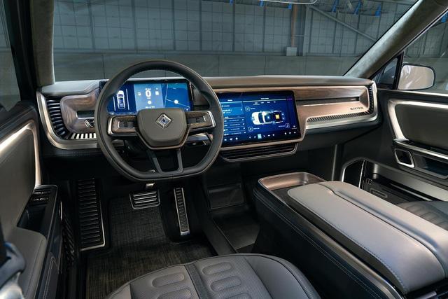 Đây là mẫu xe đang được tỉ phú giàu nhất thế giới sử dụng - Ảnh 6.