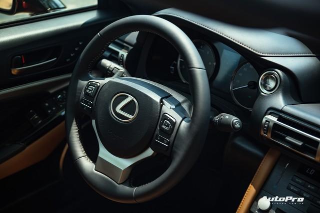 Lexus RC 300 biến mất khỏi danh mục sản phẩm, có thể dọn đường đón bản mới và cả LC 500 chơi hơn sắp về Việt Nam - Ảnh 6.