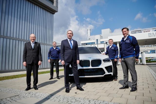 BMW X5 chạy bằng khí hydro sẽ ra mắt vào cuối năm 2022  - Ảnh 1.