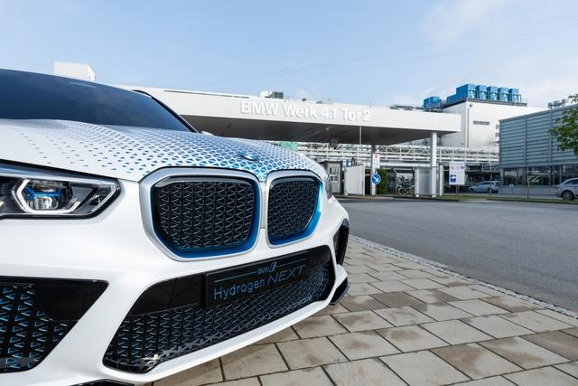 BMW X5 chạy bằng khí hydro sẽ ra mắt vào cuối năm 2022  - Ảnh 4.