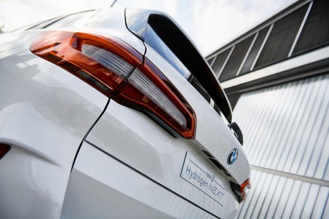 BMW X5 chạy bằng khí hydro sẽ ra mắt vào cuối năm 2022  - Ảnh 6.
