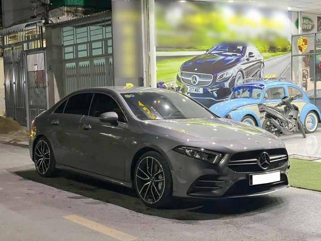 Mercedes-AMG A 35 4Matic 2021 đầu tiên bán: Giá 2,2 tỷ, ODO vỏn vẹn 1.800km - Ảnh 1.