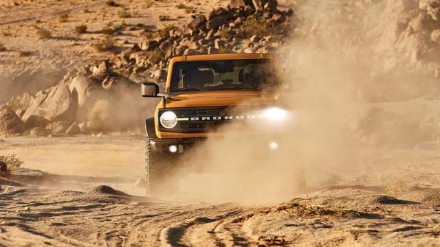 Ford Bronco tạm hoãn lắp ráp nhưng khách hàng lại có lý do vui mừng - Ảnh 1.