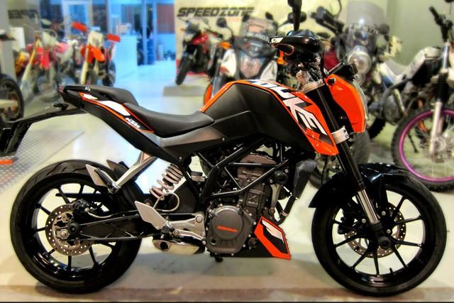 KTM bất ngờ xả hàng tồn tại Việt Nam, Duke 200 chính hãng giá chưa tới 60 triệu đồng - Ảnh 1.