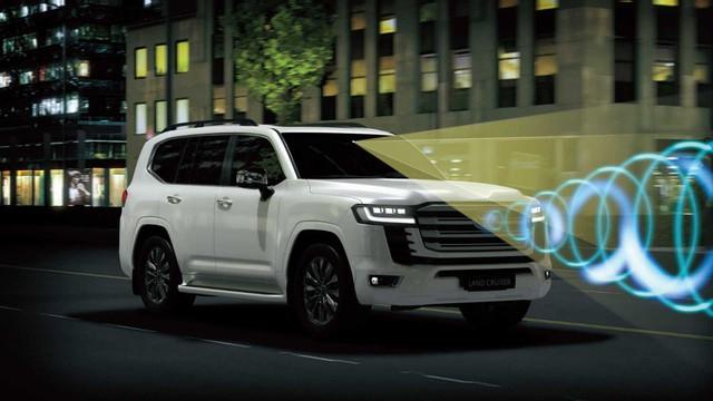 Ra mắt Toyota Land Cruiser 2022: Thay đổi ngỡ ngàng từ ngoài vào trong, mạnh hơn nhưng tiết kiệm hơn, đẳng cấp SUV đi cày cho nhà giàu - Ảnh 15.