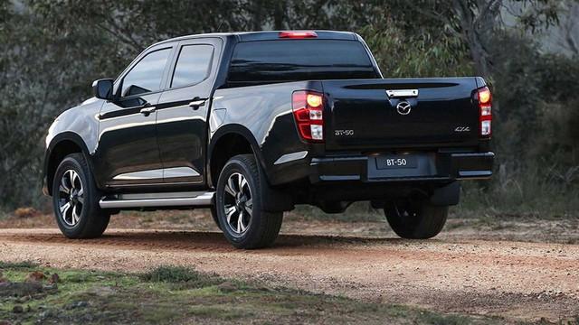 Mazda BT-50 2021 nhận cọc tại đại lý: Giá dự kiến từ 659 triệu, đầu như CX-8, động cơ mới, đáp trả Ford Ranger - Ảnh 7.