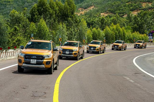 Trước khi lắp ráp thì đây là 2 thế hệ và 6 bản nâng cấp lớn của 'vua doanh số' Ford Ranger trong 20 năm tại Việt Nam - Ảnh 1.