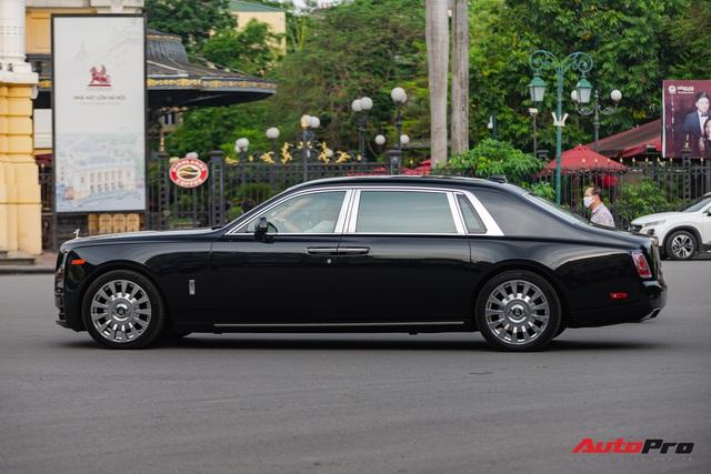 Rolls-Royce Phantom VIII đồn đoán của đại gia Ninh Bình xuất hiện trong tình trạng mới kính coong sau một thời gian âm thầm về nước - Ảnh 3.