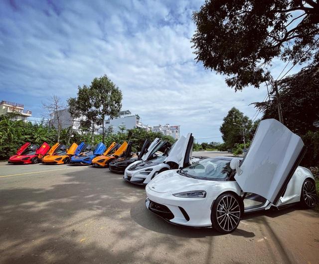 Đại lý siêu xe Sài Gòn trưng bày dàn McLaren cả 100 tỷ cổ vũ đội tuyển Việt Nam - Ảnh 1.