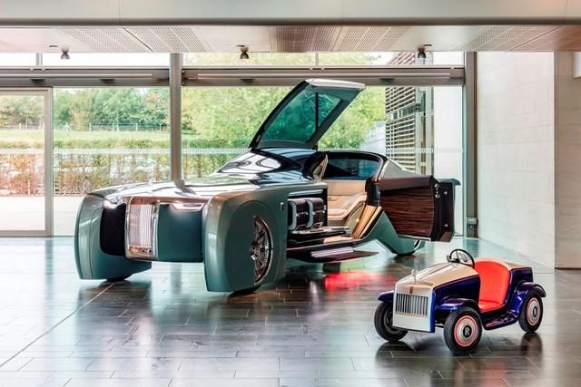 Bí ẩn đằng sau chiếc Rolls-Royce nhiều người cầm lái nhất trên thế giới - Ảnh 5.