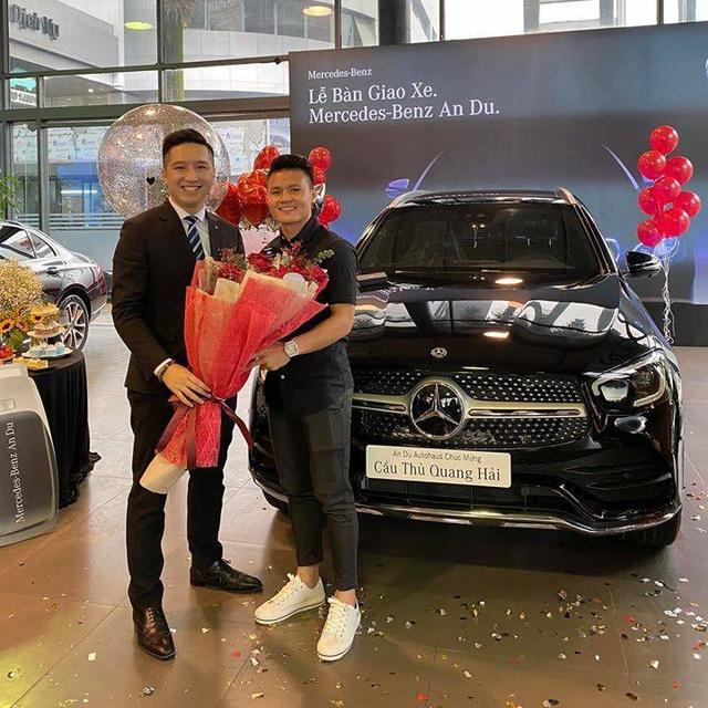 Soi xe của tuyển thủ đội tuyển Việt Nam: Ai cũng mua Mercedes-Benz nhưng đội trưởng Quế Ngọc Hải lại giản dị bất ngờ - Ảnh 4.
