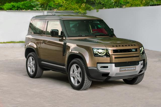 Ra mắt Land Rover Defender 90 tại Việt Nam: SUV chơi off-road giá gần 4 tỷ đồng cho nhà giàu - Ảnh 1.