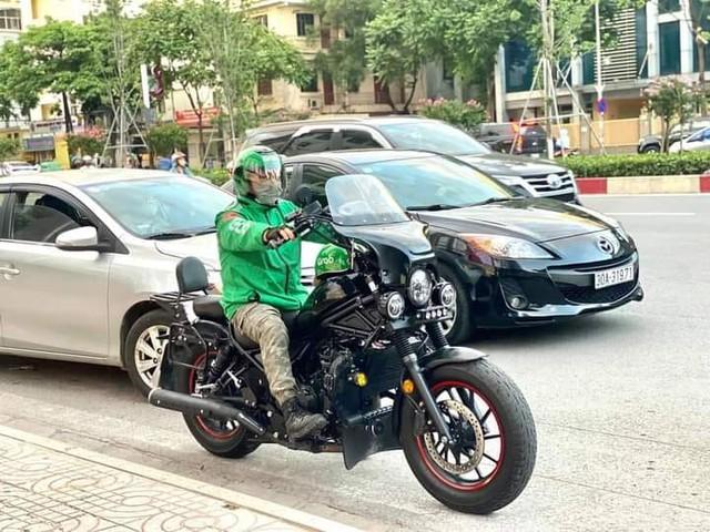 Nổi tiếng vì chạy xe phân khối lớn ship hàng, biker lên tiếng: 'Chạy vì đam mê, không có gì sai cả' - Ảnh 3.