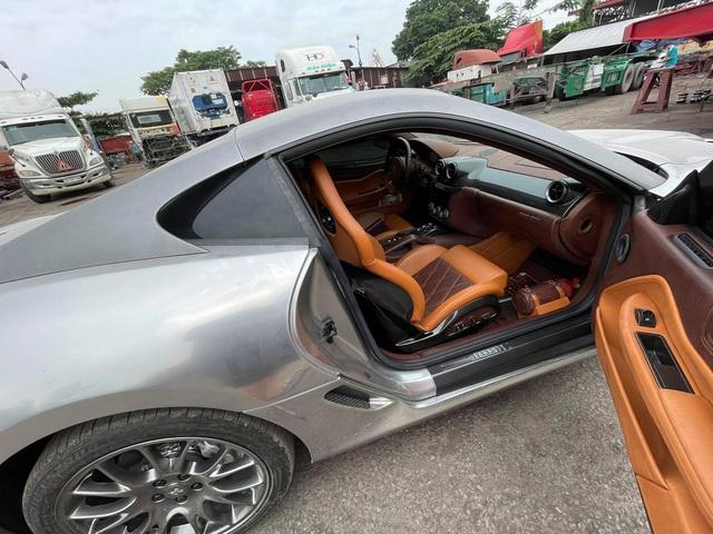 Xuất hiện nhiều hình ảnh cho thấy Ferrari 599 GTB vừa về Việt Nam có những trang bị lạ lùng, khác chiếc từng của đại gia cà phê Đặng Lê Nguyên Vũ - Ảnh 4.