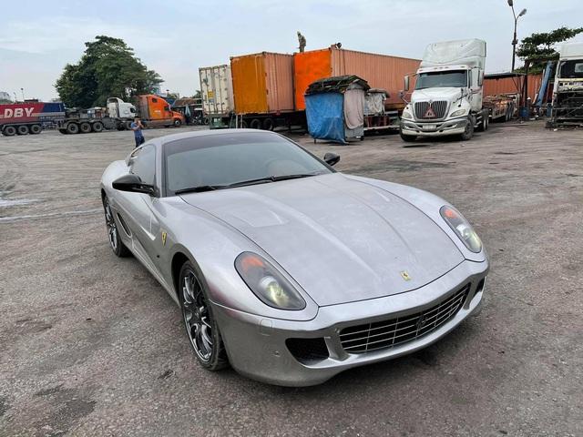 Xuất hiện nhiều hình ảnh cho thấy Ferrari 599 GTB vừa về Việt Nam có những trang bị lạ lùng, khác chiếc từng của đại gia cà phê Đặng Lê Nguyên Vũ - Ảnh 2.