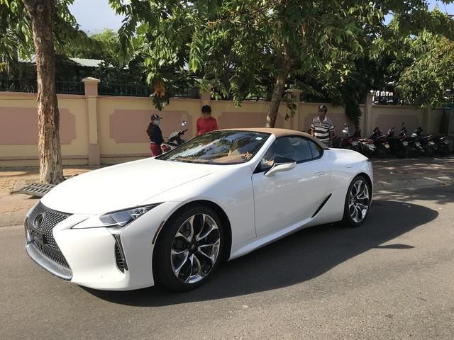 Ẩn mình 2 tháng, Lexus LC 500 Convertible siêu độc tại Việt Nam xuất hiện tại Bình Thuận, giá đồn đoán trên 10 tỷ đồng - Ảnh 2.