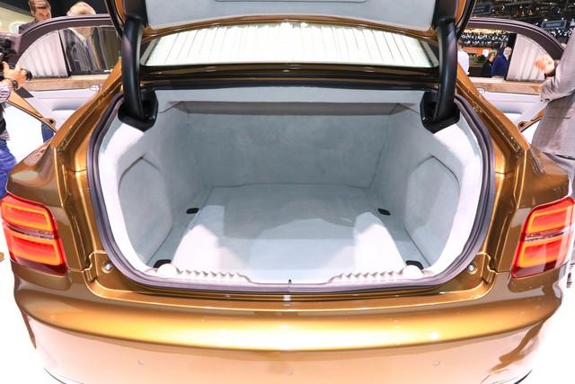 'Rolls-Royce của Nga' bắt đầu sản xuất, giá quy đổi từ hơn 5,6 tỷ đồng - Ảnh 7.