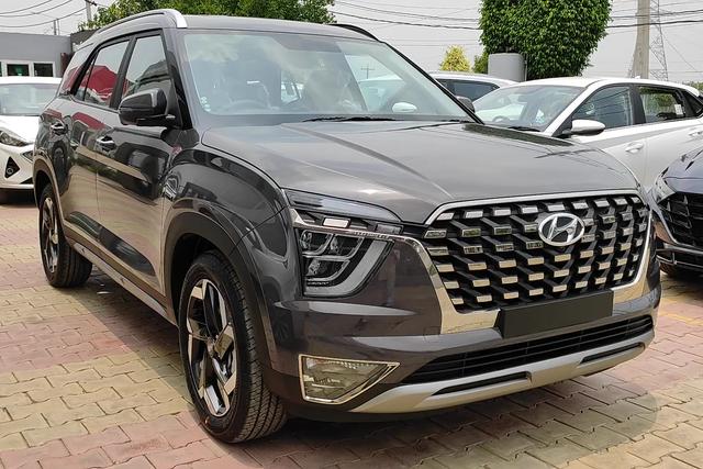 Chi tiết Hyundai Alcazar vừa về đại lý: Như Palisade thu nhỏ, giá quy đổi từ 505 triệu đồng, đối thủ ngang tầm Toyota Innova - Ảnh 2.