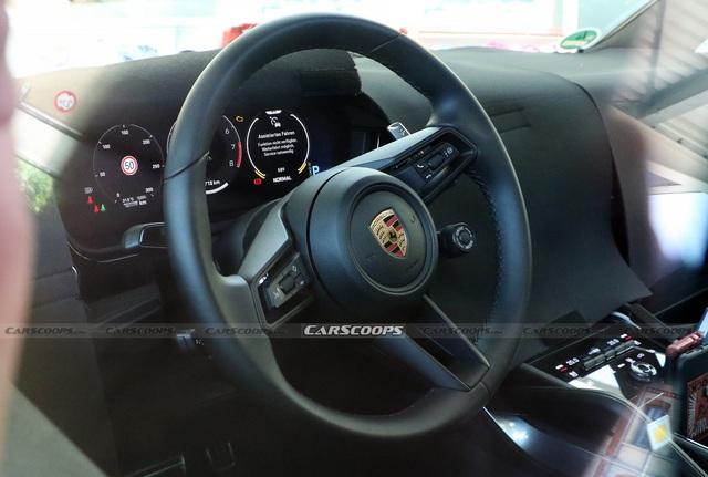 Porsche Cayenne facelift lộ mặt: Nhiều nét giống Taycan, nội thất có thêm màn hình khủng - Ảnh 4.