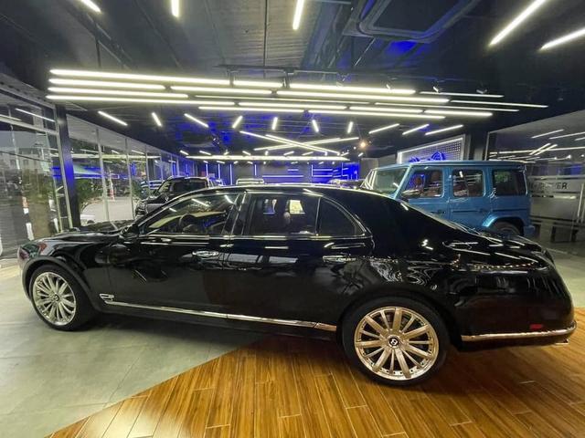 Sau 4 năm, Bentley Mulsanne Speed bán lại 'rẻ' ngang Mercedes-Maybach S 450 - Ảnh 2.