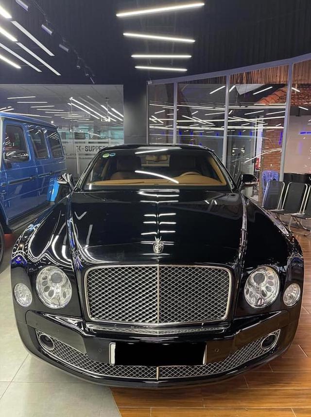 Sau 4 năm, Bentley Mulsanne Speed bán lại 'rẻ' ngang Mercedes-Maybach S 450 - Ảnh 1.