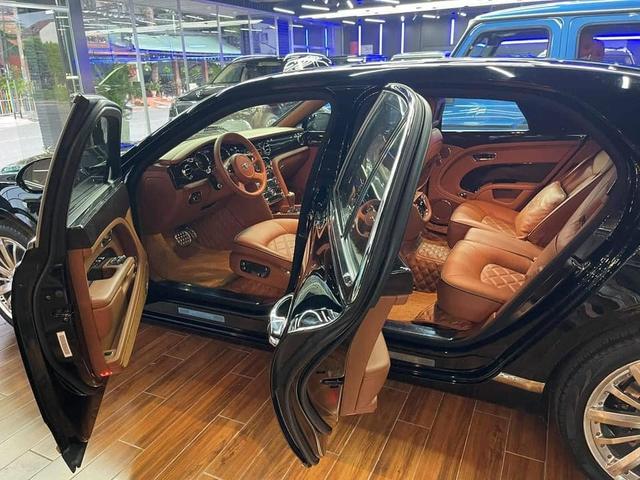 Sau 4 năm, Bentley Mulsanne Speed bán lại 'rẻ' ngang Mercedes-Maybach S 450 - Ảnh 3.