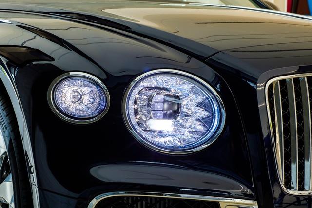 Bentley Flying Spur V8 First Edition chính hãng đầu tiên Việt Nam giá từ 18 tỷ đồng: Toàn trang bị xịn xò cho giới nhà giàu - Ảnh 5.