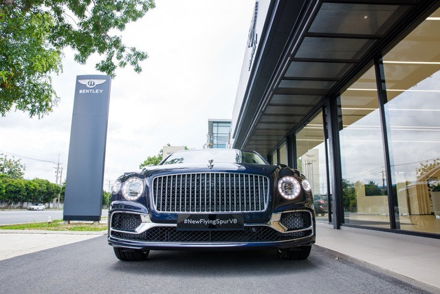 Bentley Flying Spur V8 First Edition chính hãng đầu tiên Việt Nam giá từ 18 tỷ đồng: Toàn trang bị xịn xò cho giới nhà giàu - Ảnh 3.