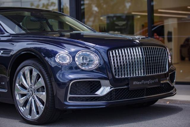 Bentley Flying Spur V8 First Edition chính hãng đầu tiên Việt Nam giá từ 18 tỷ đồng: Toàn trang bị xịn xò cho giới nhà giàu - Ảnh 4.