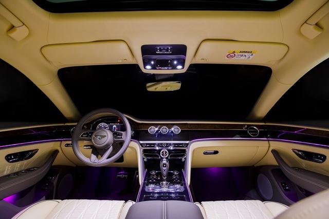Bentley Flying Spur V8 First Edition chính hãng đầu tiên Việt Nam giá từ 18 tỷ đồng: Toàn trang bị xịn xò cho giới nhà giàu - Ảnh 8.