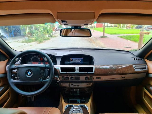 Gặp khó mùa dịch, đại gia chấp nhận giảm giá tới 4 lần để bán được BMW 7-Series 13 năm tuổi - Ảnh 3.