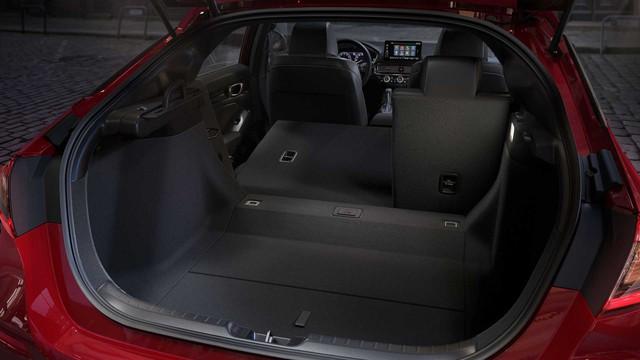 Ra mắt Honda Civic 2022 hatchback: Dáng coupe điệu hơn Mazda3, dễ khiến khách Việt mở lòng với xe đuôi cộc - Ảnh 5.