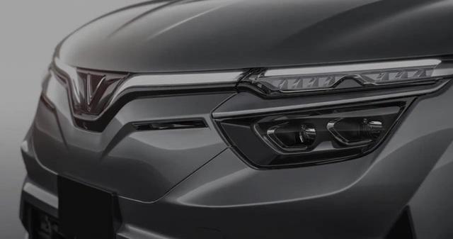 Mổ xẻ cặp vuông tròn ô tô VinFast vào Mỹ: Có tính năng duy nhất trên thị trường! - Ảnh 4.