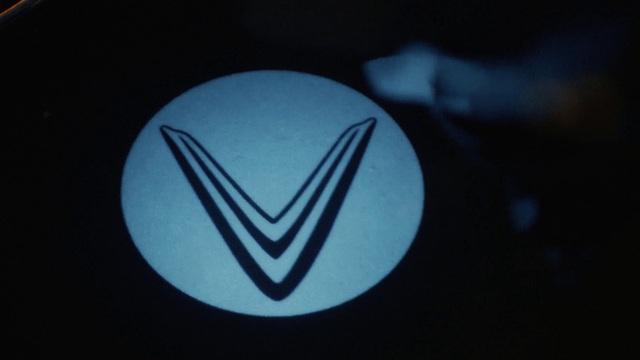 Mổ xẻ cặp vuông tròn ô tô VinFast vào Mỹ: Có tính năng duy nhất trên thị trường! - Ảnh 6.
