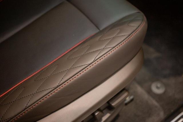 Mổ xẻ cặp vuông tròn ô tô VinFast vào Mỹ: Có tính năng duy nhất trên thị trường! - Ảnh 10.