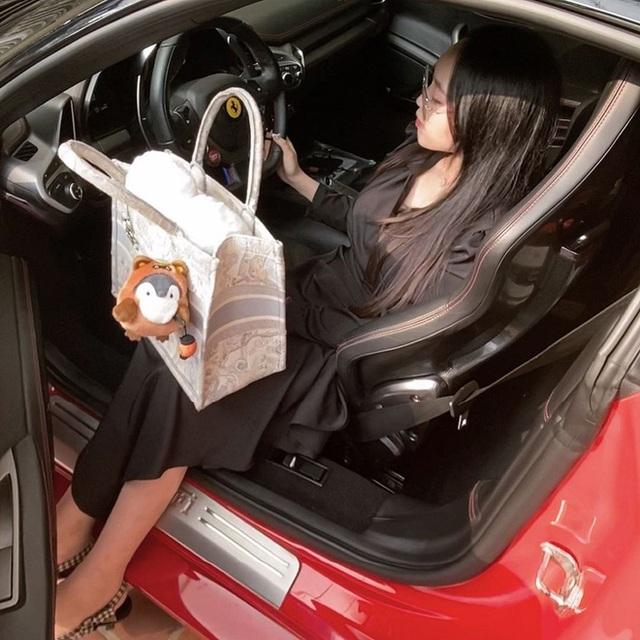 Gặp rich kid 2k Hải Phòng sáng lái Ferrari đi học, tối về làm sếp, xách túi 20.000$ - Ảnh 6.