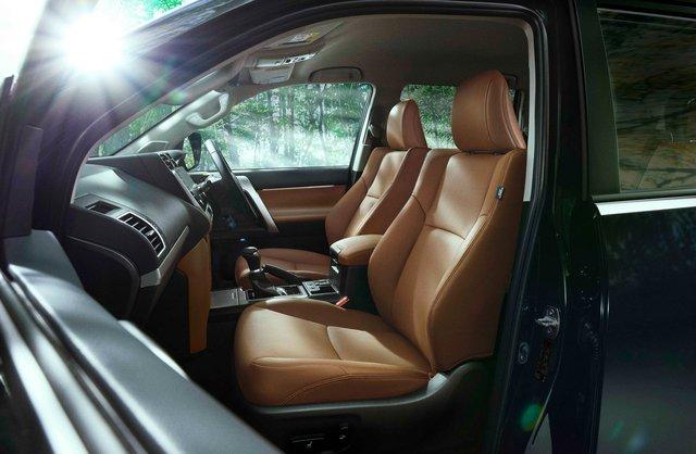 Toyota Land Cruiser Prado ra mắt bản mới - SUV cho ông chủ thích chơi bản đặc biệt - Ảnh 3.