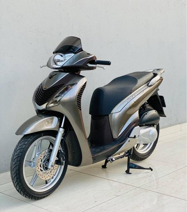 Honda SH 150i 10 năm tuổi vẫn đẹp khó tin, bán giá bất ngờ - Ảnh 1.