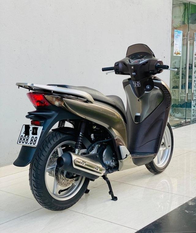 Honda SH 150i 10 năm tuổi vẫn đẹp khó tin, bán giá bất ngờ - Ảnh 3.