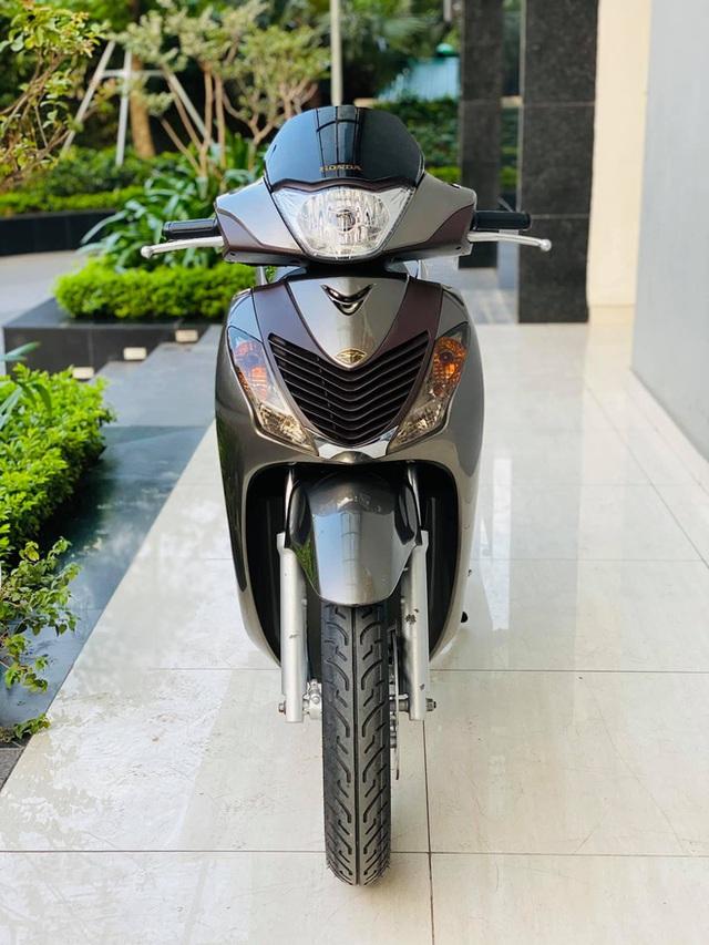 Honda SH 150i 10 năm tuổi vẫn đẹp khó tin, bán giá bất ngờ - Ảnh 4.