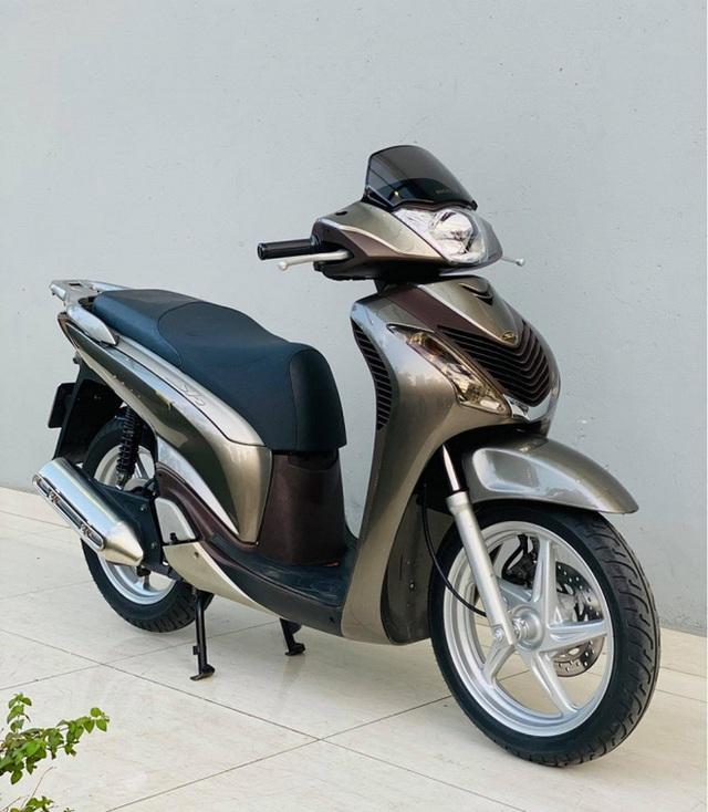 Honda SH 150i 10 năm tuổi vẫn đẹp khó tin, bán giá bất ngờ - Ảnh 7.
