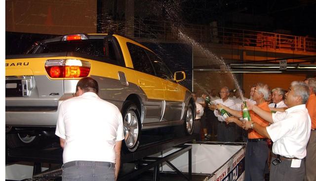 Đây là mẫu xe bán tải cỡ nhỏ ra đời trước cả Ford Maverick - Ảnh 2.