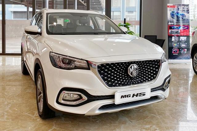 MG HS giảm giá sốc gần 200 triệu trong thời gian ngắn, cạnh tranh Honda CR-V với giá ngang HR-V - Ảnh 1.