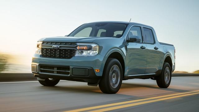 Ford Maverick chốt giá chính thức mọi phiên bản, quy đổi từ 460 triệu đồng, bán kèm loạt đồ chơi dã ngoại chính hãng