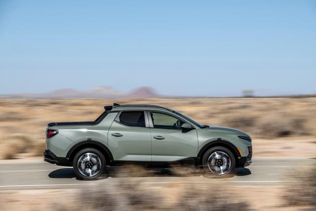 Đây là mức tiêu thụ xăng của Hyundai Santa Cruz: Bản mạnh nhất tốn hơn 12,3 lít/100 km nhưng vẫn tiết kiệm hơn Ford Ranger - Ảnh 1.