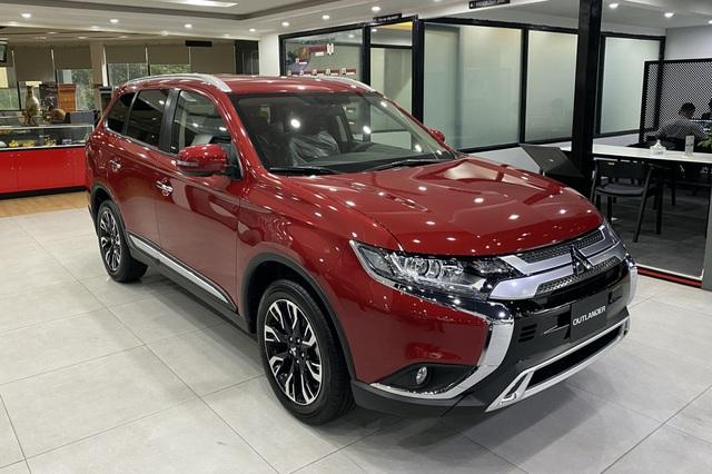 Tiếp đà bán chạy, Mitsubishi khuyến mại mạnh tay hơn trong tháng 6: Cao nhất gần 65 triệu đồng - Ảnh 2.