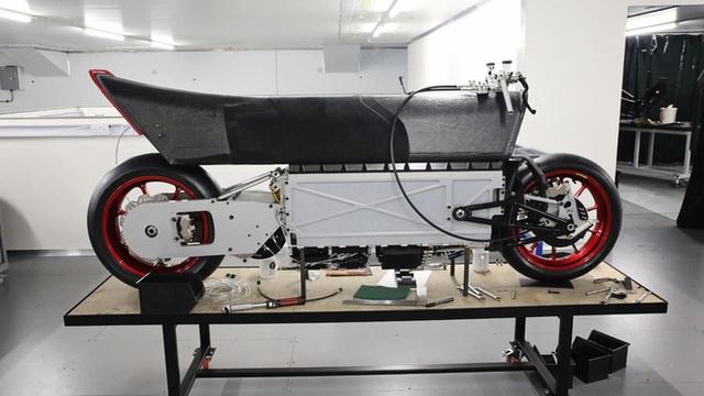 Xe máy điện 2 tầng tốc độ khủng khiếp 400km/h, ngang ngửa thần gió Bugatti Veyron - Ảnh 7.