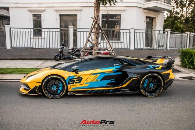 Cận cảnh Lamborghini Aventador SVJ độ lên phiên bản cực giới hạn của đại gia Việt - Ảnh 1.